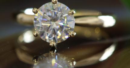 Ethica-Diamonds-Althea-Round-Brilliant-yellow-1