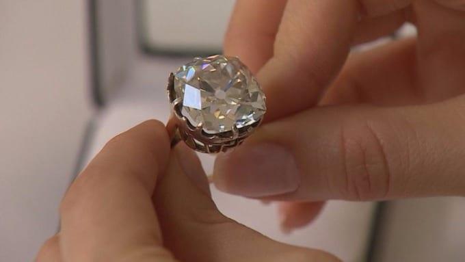 £10 Car boot sale diamond
