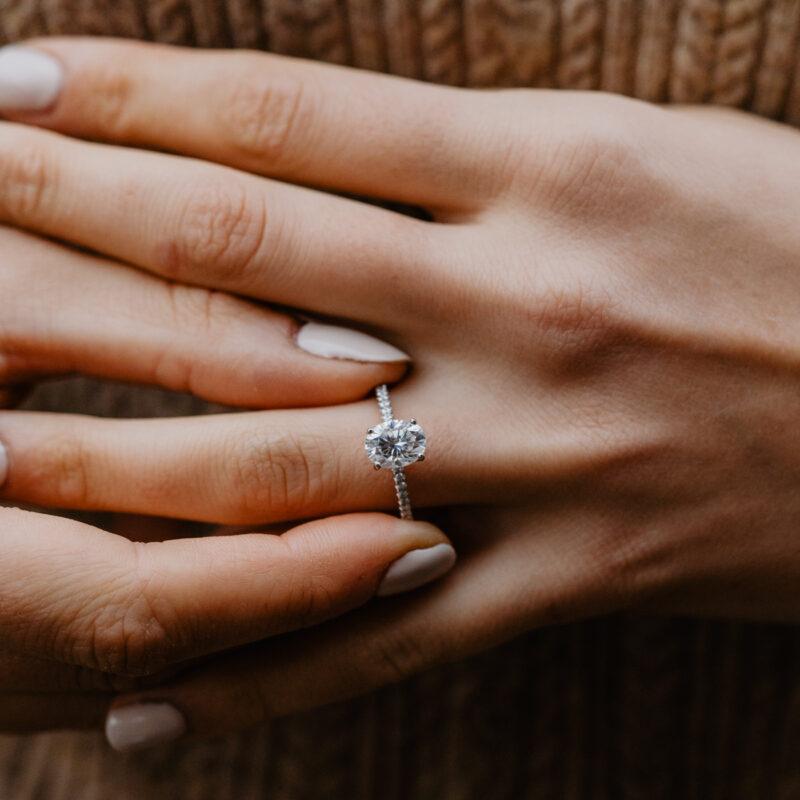 Conflict Free Oval Diamond Engagement Ring | Aesa | Ethica Diamonds