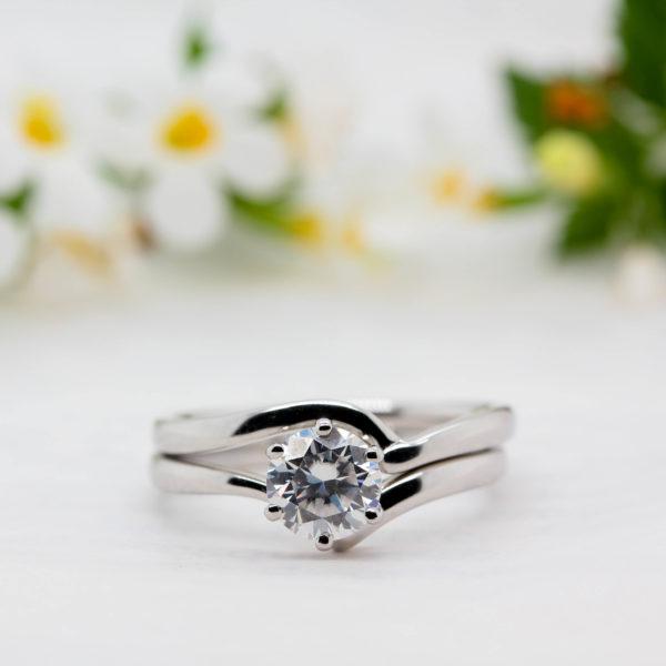 Sustainable Diamond Engagement Ring - Akilina - Ethica Diamonds UK