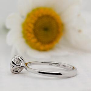 https://www.ethica.diamonds/wp-content/uploads/2019/11/fi-Ethica-Diamonds-Callis-Round-Brilliant-white-2.jpg