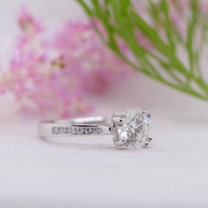 Eco Friendly Round Cut Diamond Engagement Ring - Irene - Ethica Diamonds UK