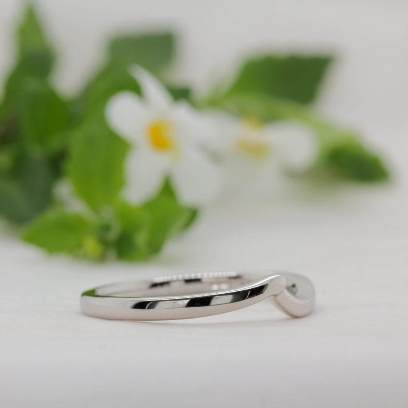 Ethical Fairtrade Shaped Wedding Band - Akilina - Ethica Diamonds UK